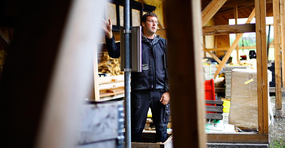 Shaun jobbar främst med timmer och snickerier